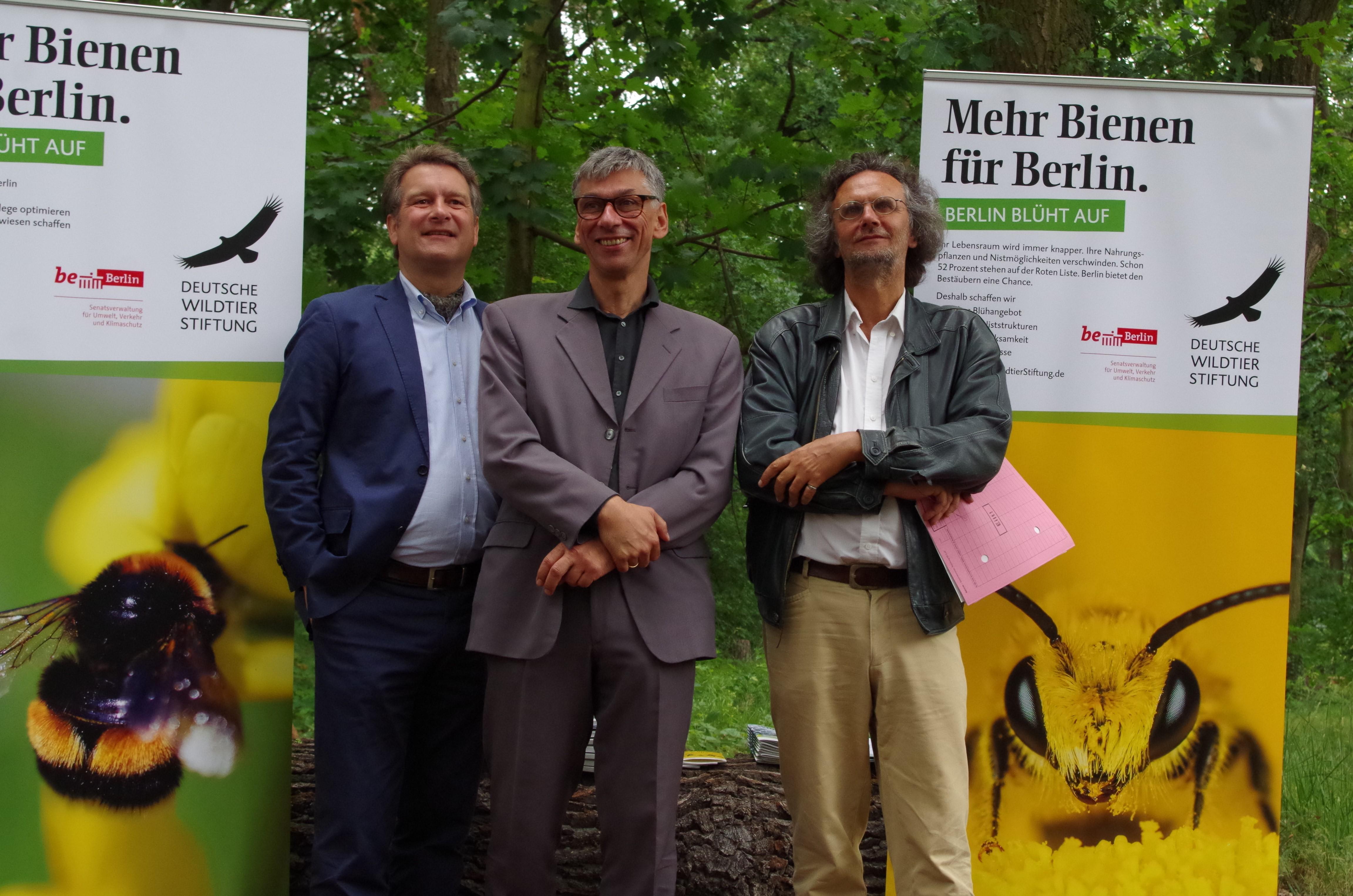 Hilmar Freiherr von Münchhausen, Staatssekretär Stefan Tidow und der Charlottenburger Baustadtrat Oliver Schruoffenegger