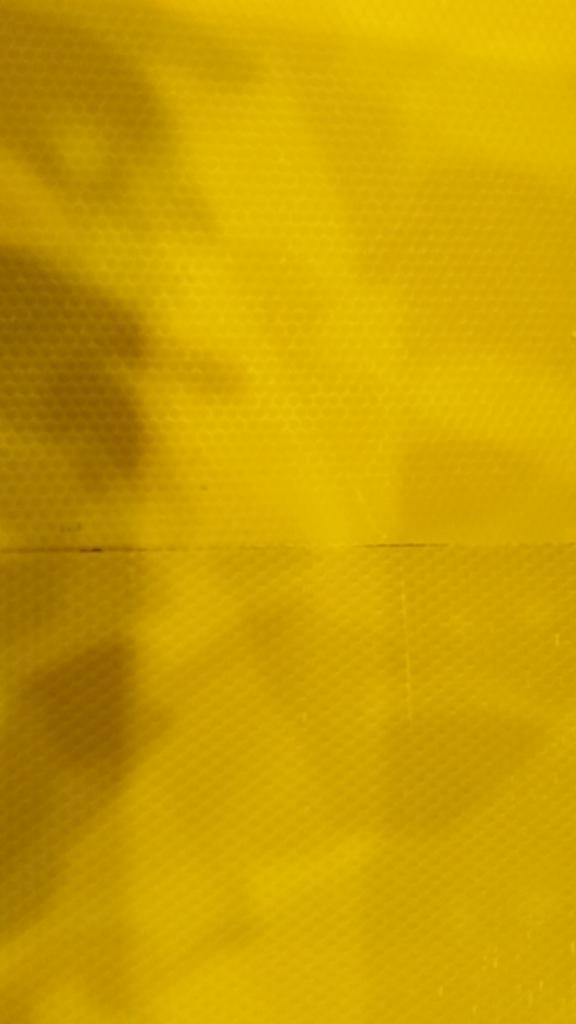 Giessergebnis (oben) vs gewalzte Mittelwand (unten)